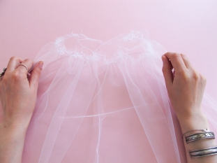 DIY // Comment réaliser un tutu de mariée // How to make a wedding tutu // A Cardboard Dream BlogDIY // Comment réaliser un tutu de mariée // How to make a wedding tutu // A Cardboard Dream Blog