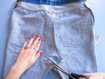 DIY // Comment faire une jupe en jean déstructurée // How to make a destructured denim skirt // A Cardboard Dream blog